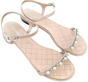Chanel Pearls Patent Leather Pink-blush Silver Hardware Blush Sandals