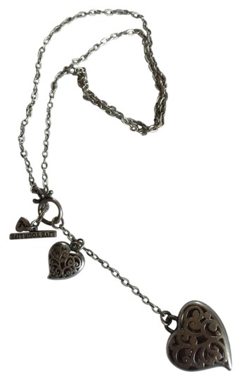 Preload https://item5.tradesy.com/images/american-eagle-outfitters-heart-toggle-necklace-2716834-0-0.jpg?width=440&height=440