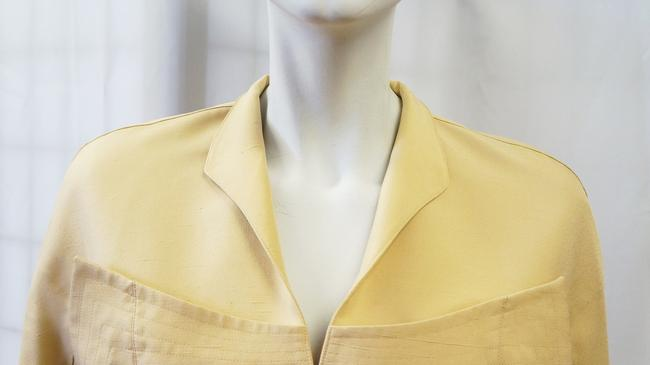 Thierry Mugler Silk Belted Button Down Metal Plate S Trench Beige Jacket