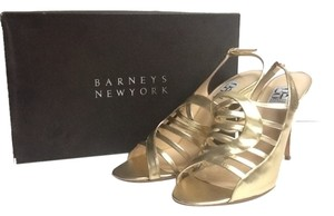 Barneys New York Pumps