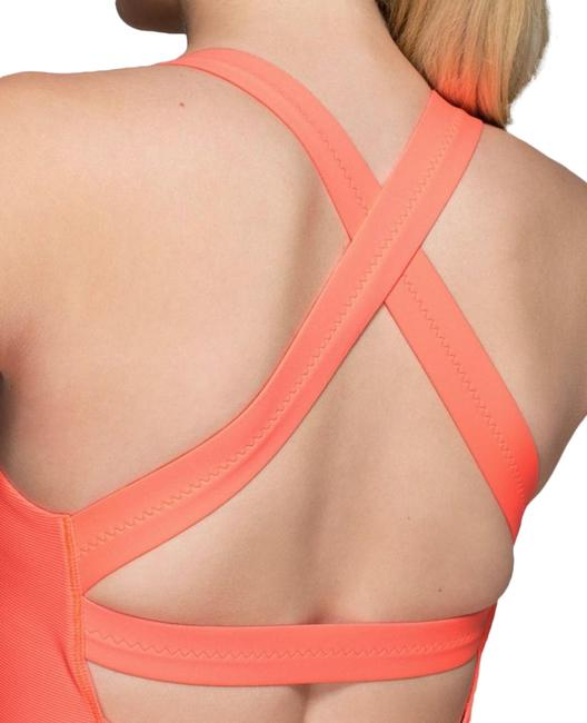 Item - Coral Core Kicker Activewear Top Size 4 (S)