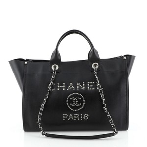 Chanel Deauville Leather Tote in Black