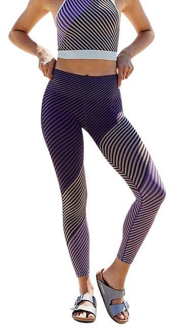 Item - Aerial Finders Keepers 7/8 Crop Striped Movement Pants Activewear Bottoms Size 12 (L)