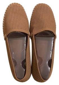 Adam Tucker sand/tan Flats
