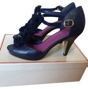Madden Girl Ruffle Vintage Navy Pumps