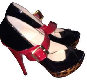 Steve Madden Red And Black Pumps