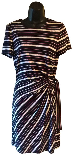 Item - Black White & Pink Striped Pullover Mid-length Short Casual Dress Size 8 (M)