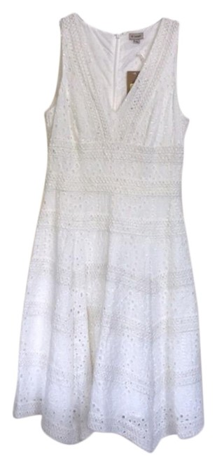 Item - White Cotton Lace Spring Beach Mid-length Cocktail Dress Size 2 (XS)