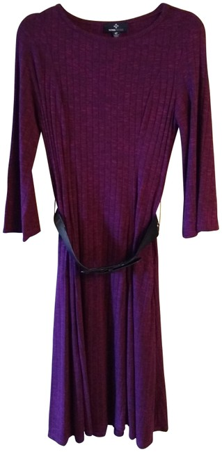 Item - Dark Red Pullover Mid-length Short Casual Dress Size Petite 4 (S)