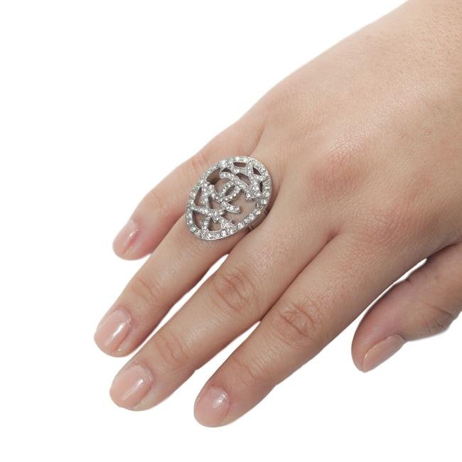 Item - Silver 07a Oval Crystal Costume Cocktail Logo Cc Comete Star Ring