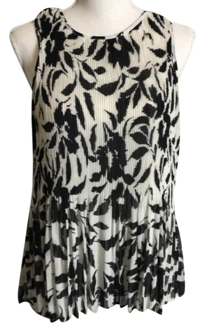 Item - Black White Toni Pleated Floral Blouse Size 12 (L)