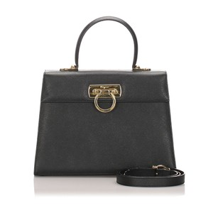 Ferragamo 0cfrst006 Vintage Leather Satchel in Black