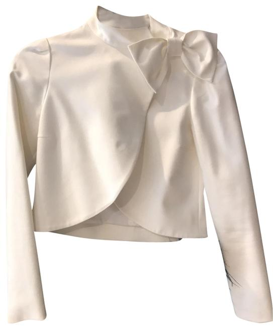 Item - White And Cropped Jacket Size 0 (XS)