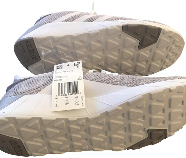 Item - Gray and White Questar X Byd Sneakers Size US 8 Regular (M, B)