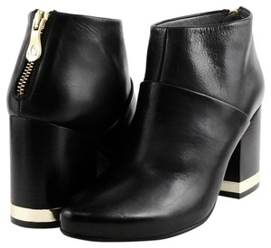Kanna Comfortable Ankle Black Boots