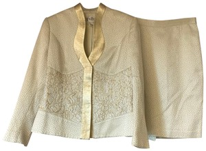 Terry Terry Paris Made in France lace and gold trim white skirt suit 10