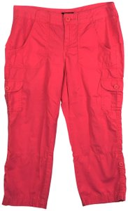 a.n.a. a new approach Cargo Capri/Cropped Pants Pink