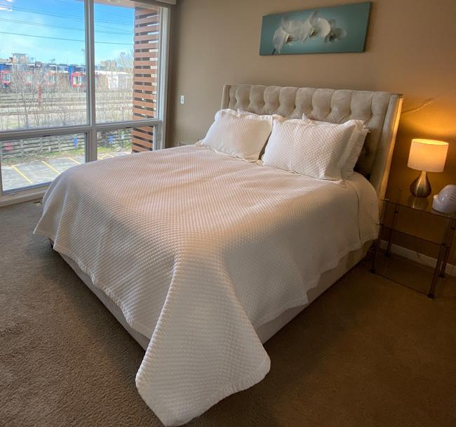 Item - White Home Wyatt Quilted Coverlet + 2 Shams Other
