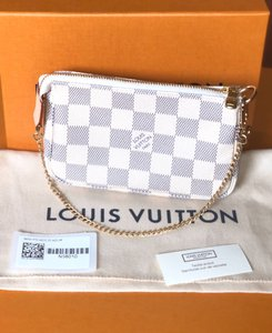 Louis Vuitton Wristlet in withe