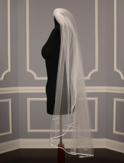Diamond White Medium Your Dream Dress 5149 Fingertip Length Bridal Veil
