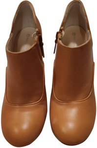 Rockport Brown/tan color Boots