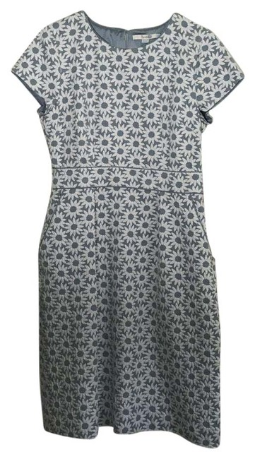 Item - Light Blue and White Daisy Print Cap Sleeve Mid-length Short Casual Dress Size 10 (M)
