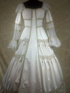 Medieval Renaissance Theme Wedding Dress