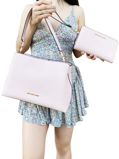 Preload https://img-static.tradesy.com/item/27217803/michael-kors-sofia-blossom-double-zip-wristlet-wallet-satchel-0-2-540-540.jpg