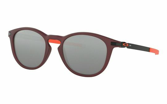 Preload https://img-static.tradesy.com/item/27219244/oakley-matte-vampirella-frame-and-prizm-black-lens-oo9439-0850-unisex-round-sunglasses-0-0-540-540.jpg