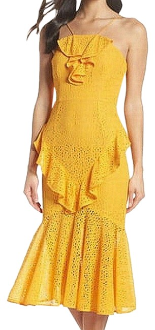 Item - Yellow Ruffled Eyelet Lace Mid-length Cocktail Dress Size 6 (S)