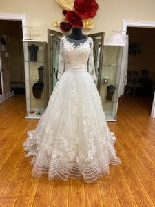 Mary's Bridal Ivory Lace D8100 Vintage Wedding Dress Size 6 (S)