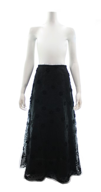 Item - Black Silk Embroidered Long Skirt Size 8 (M, 29, 30)