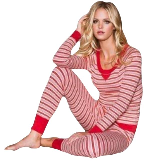 Item - Red Fireside Thermal Pajama Set Button-down Top Size 8 (M)