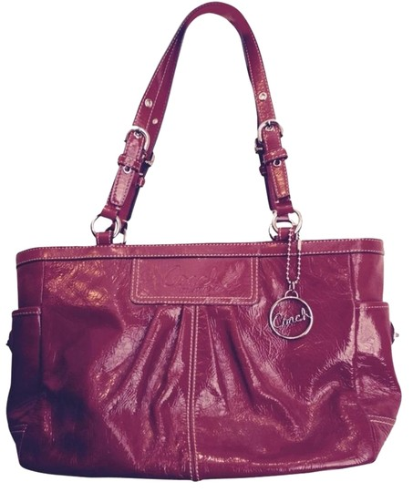 Preload https://item2.tradesy.com/images/coach-red-leather-tote-2722711-0-1.jpg?width=440&height=440