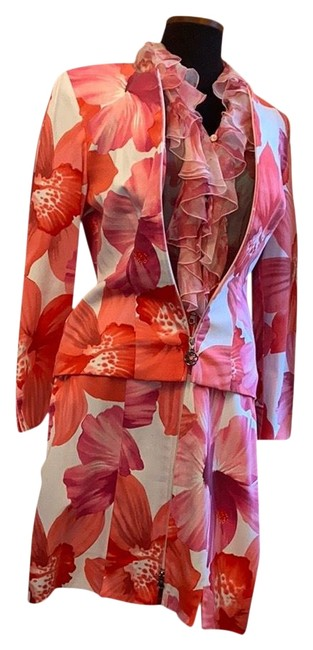 Item - Pink Trends Skirt Suit Size 8 (M)