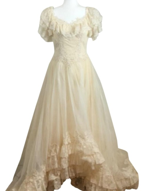 Item - Cream Union Made Wedding Gown Mid-length Formal Dress Size 8 (M)