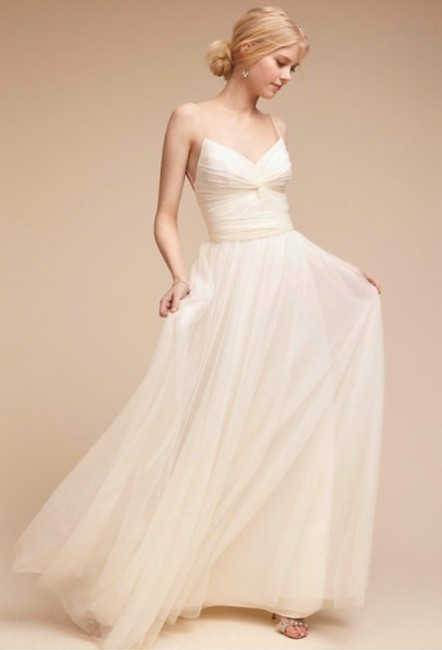 Item - White Polyester Casual Wedding Dress Size 4 (S)