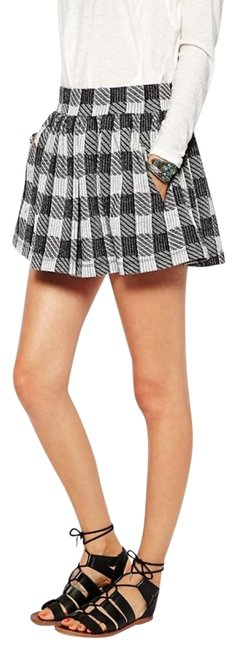 Item - New Black and White Holly Go Lightly Plaid Skirt Size 6 (S, 28)