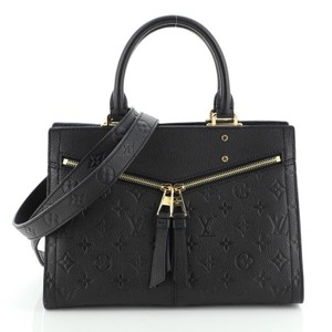 Louis Vuitton Satchel Leather Tote in Black
