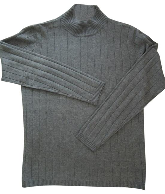 Preload https://img-static.tradesy.com/item/27244427/ladies-size-s-heather-cable-knit-crew-neck-value-gray-sweater-0-1-650-650.jpg