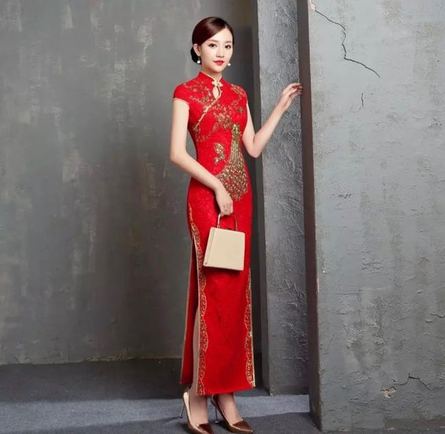 Item - Red Polyester Rayon Spandex Lace Satin Cheongsam Long Qipao Traditional Wedding Dress Size 4 (S)