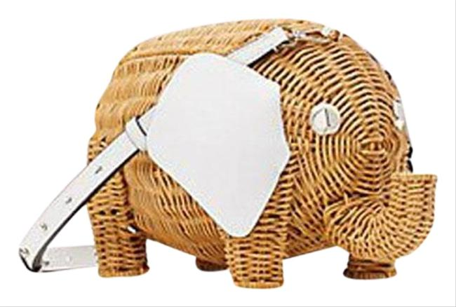 Item - Tiny Large Elephant Natural/White Wicker/Leather Cross Body Bag