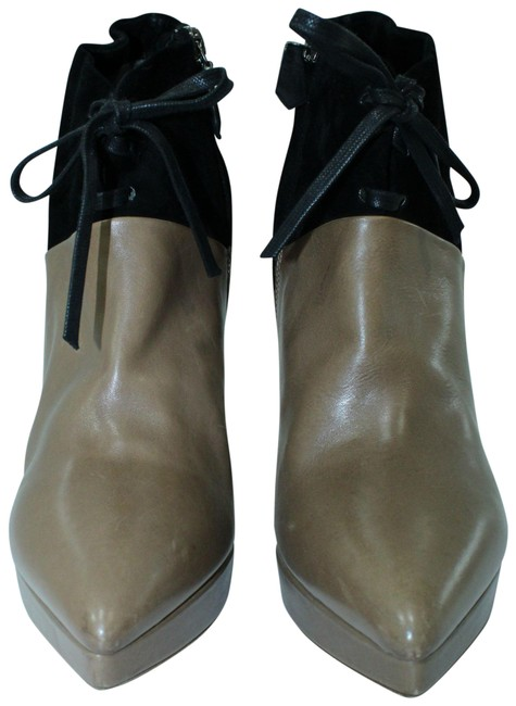 Item - Brown And Black Ankle Boots/Booties Size EU 39 (Approx. US 9) Narrow (Aa, N)