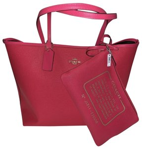 Coach Tote in Neon Pink