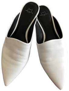 Marc Fisher White Flats