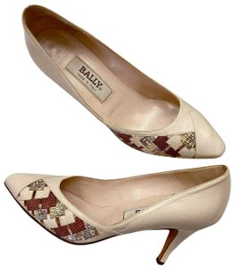 Bally Made In Italy Stiletto Vintage Cream Pumps