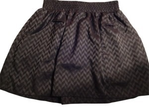 Sound & Matter Patterned Cinched Waist Satin Feel Mini Skirt grey