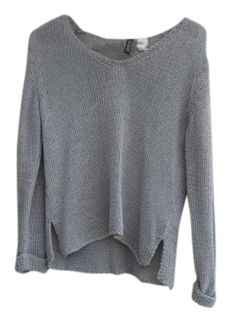 Preload https://item2.tradesy.com/images/divided-by-h-and-m-grey-knit-sweaterpullover-size-2-xs-272531-0-0.jpg?width=400&height=650