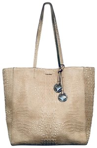 Calvin Klein Tote in Light Cashmere