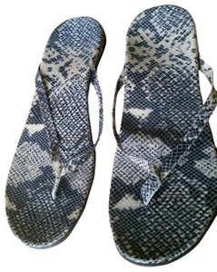Vionic Orthodic Snakeskin Molded Insole Padded Black, Cream, Gray Sandals